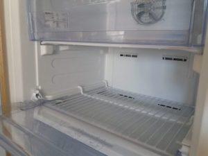 Чем легко и качественно вымыть холодильник, избавиться от запахов