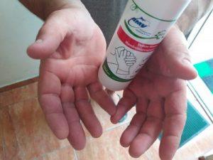 Чим очистити руки після ремонту машини