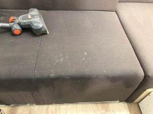 Хімчистка дивана від AMV SHOP екологічно безпечними засобами