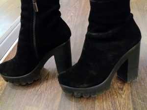 Чем легко очистить замшевую обувь